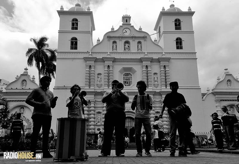 EL TUCUTEO_RADIOHOUSE (12)