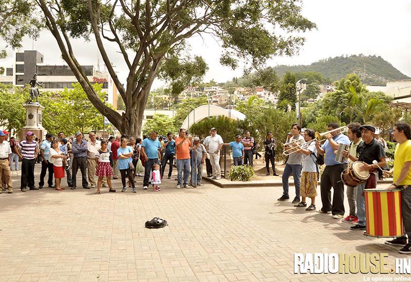 EL TUCUTEO_RADIOHOUSE (50)