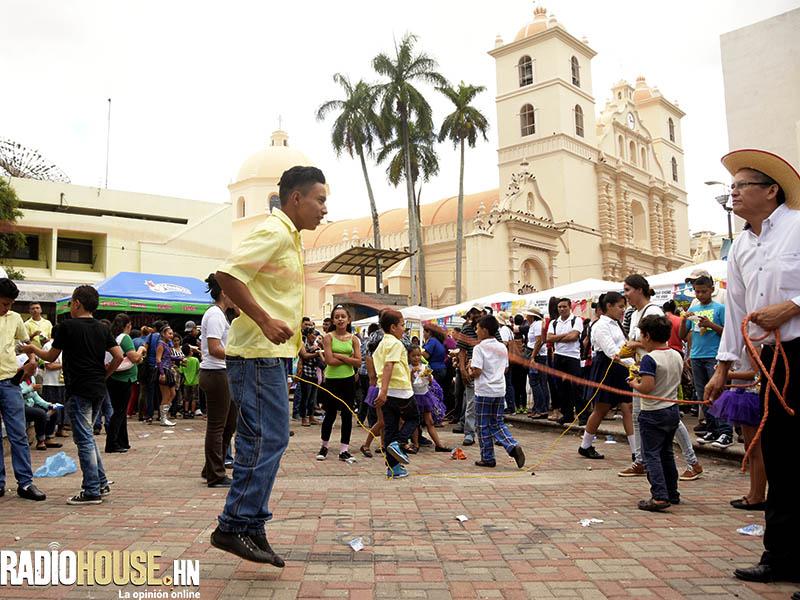 mercado los dolores_juegostradicionales_diadebaleadas_radiohouse (13)
