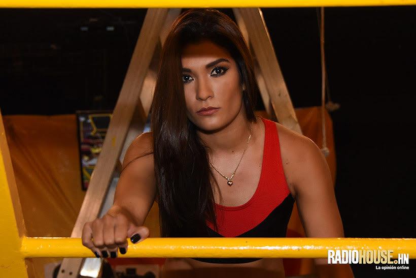 Paola Peña (2)