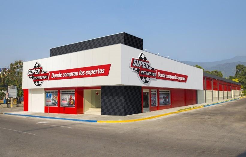 Foto fachada Almacén San Pedro Sula - Super Repuestos Honduras