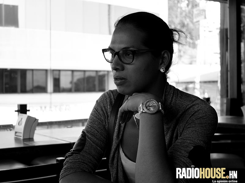 Rihanna Ferrera_RadioHouse (1)