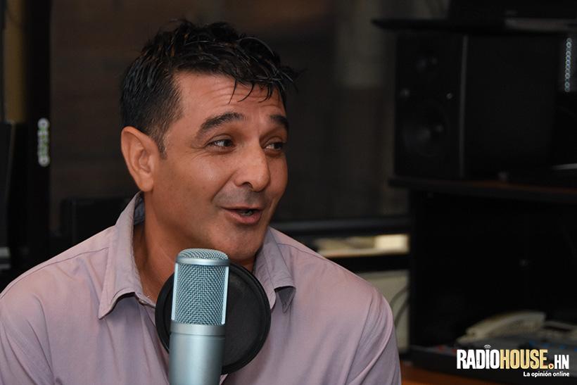Diego también nos visitó en nuestro programa radial, el cual se transmite de lunes a viernes a las 4:00 p.m. en Radio Visión Honduras.