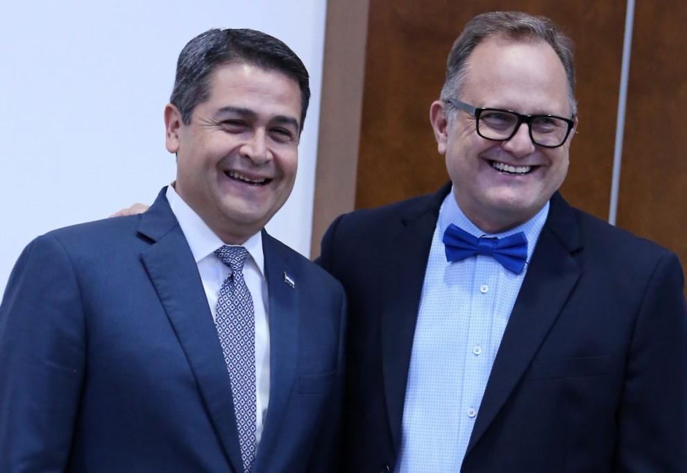 PRESIDENTE HERNANDEZ Y MARCOS WITT 1