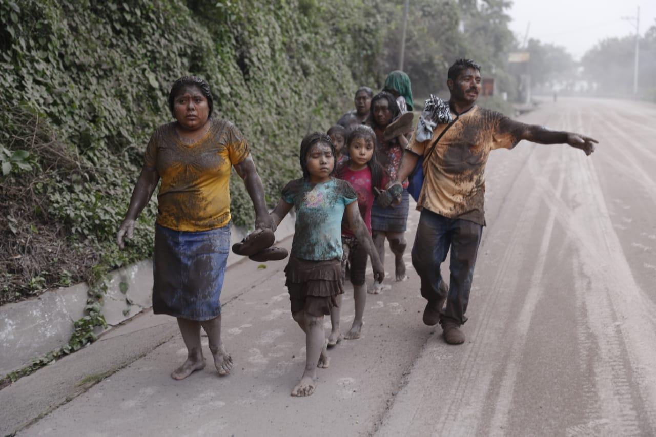 Guatemala Llora A Sus Muertos Honduras Lo Acompa 241 A En Su Luto Y Dolor