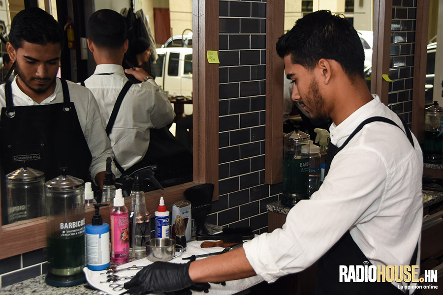 los-barberos-radiohouse-4