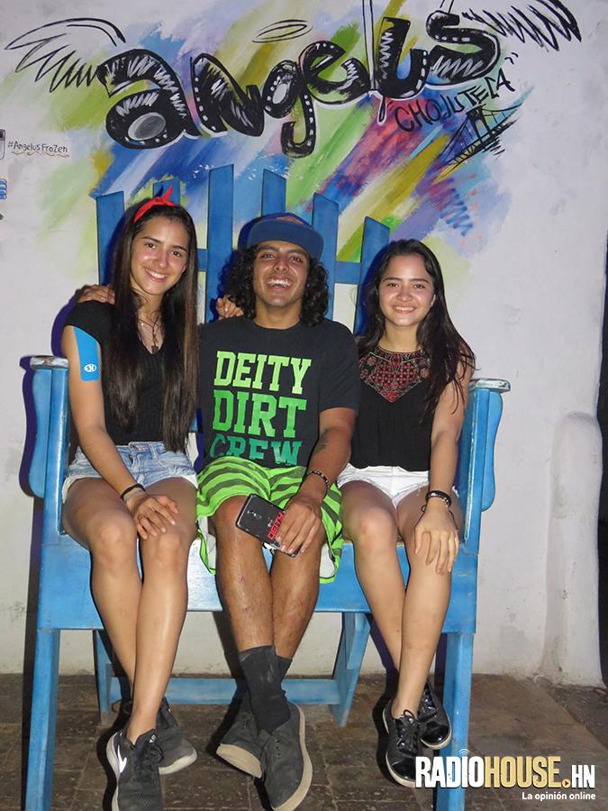 Mariajose Montoya, Paul Canet (Costa Rica) y Ana Joaquina Montoya
