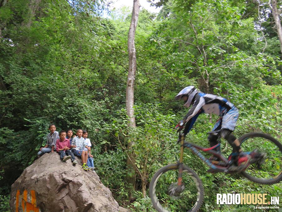 copa-downhill-honduras-radiohouse-11