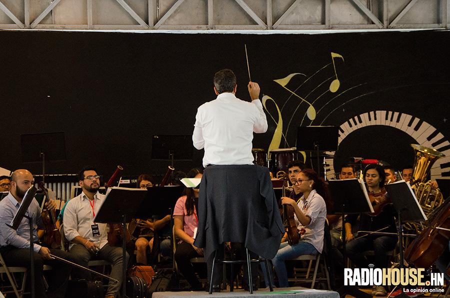 placido-domingo-cafe-honduras-radiohouse-23