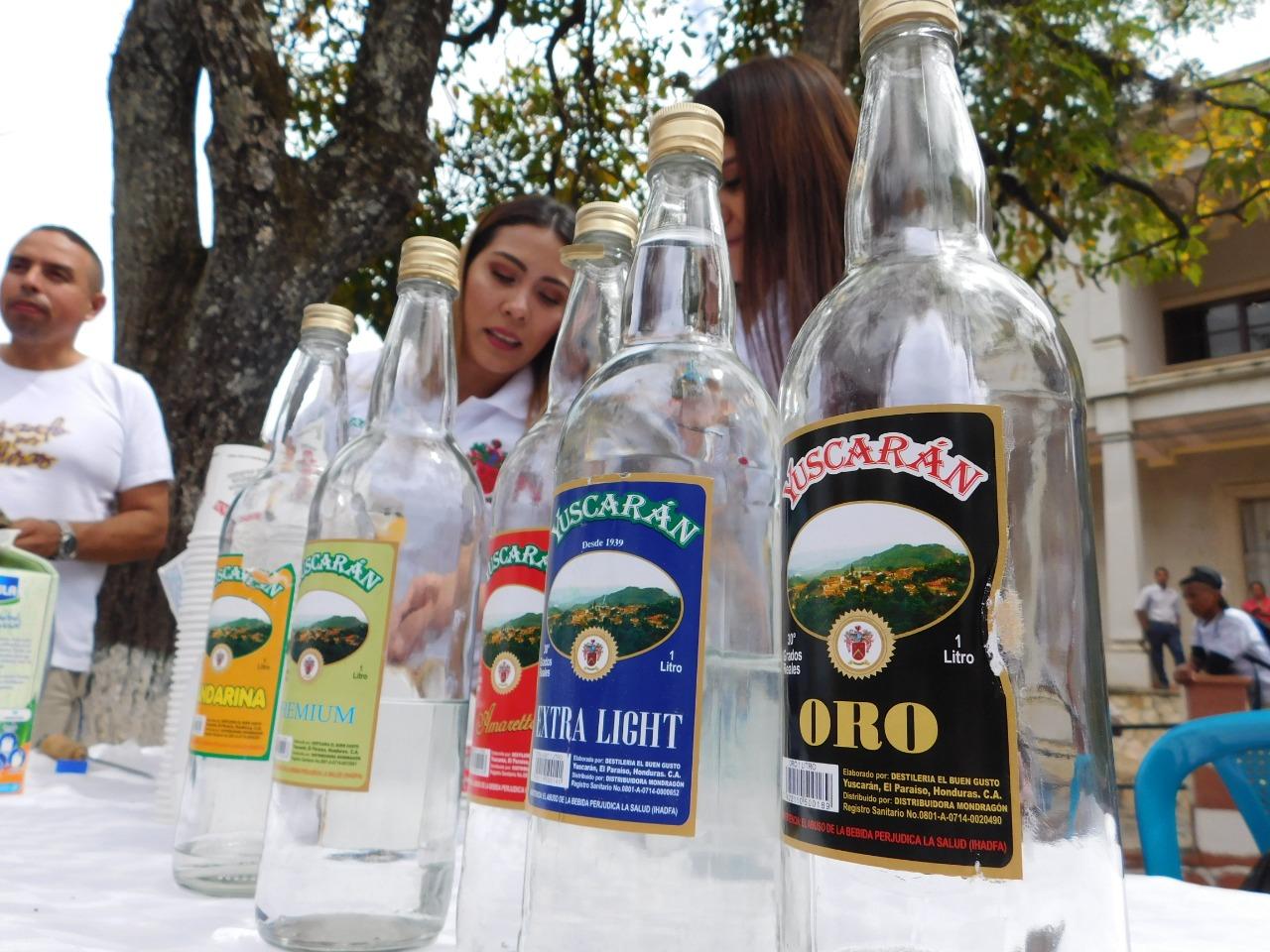 Exposición del Yuscarán, bebida hecha y procesada en ese lugar.